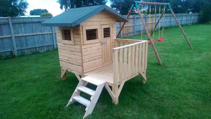 repurposed wooden pallet playhouse