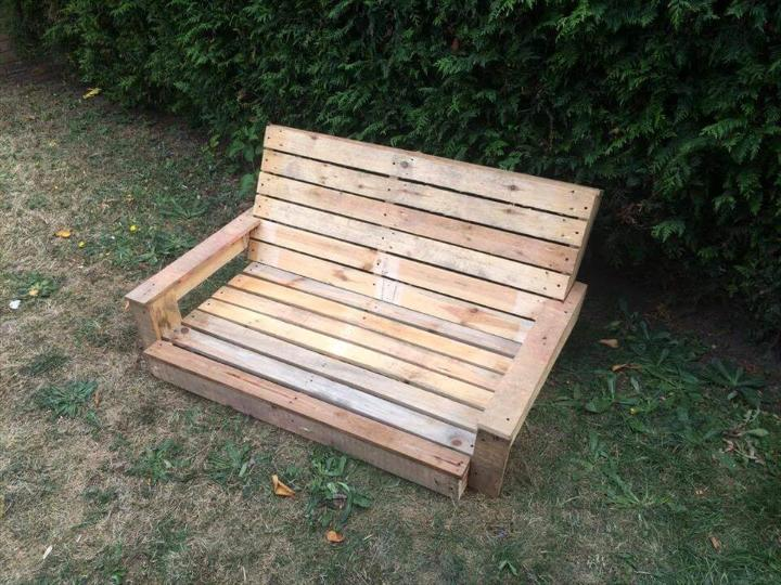 robust wooden pallet swing seat made of pallets