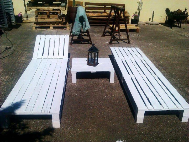 white painted pallet XL loungers set
