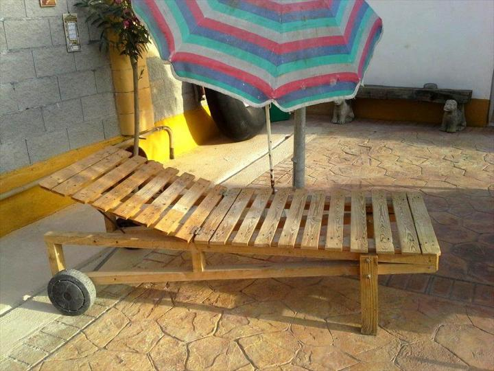 rustic yet sturdy wooden pallet lounger
