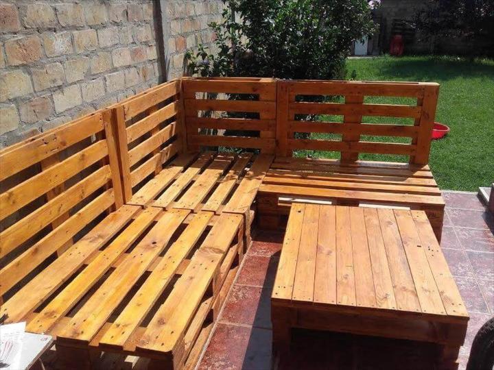 Handmade pallet outdoor seating