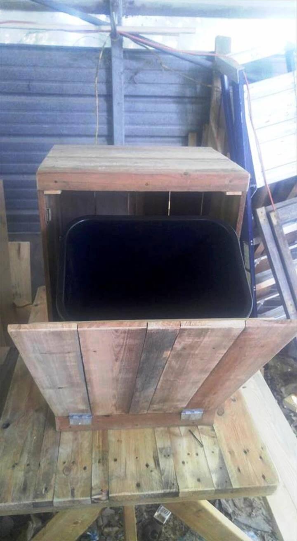 Wooden trash can holder