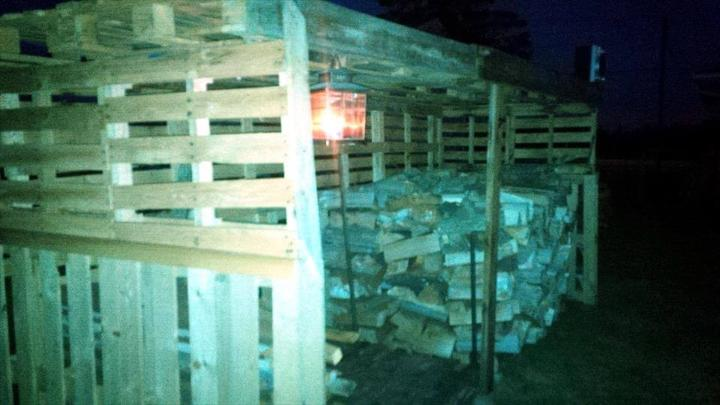 pallet wood firewood shed idea