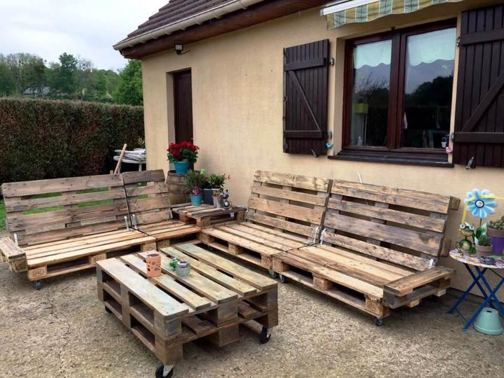 rustic pallet sitting set