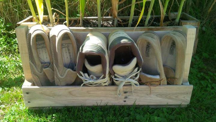 no-cost pallet mini pallet shoes rack