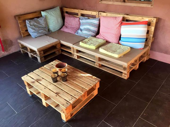 self-made pallet sitting set