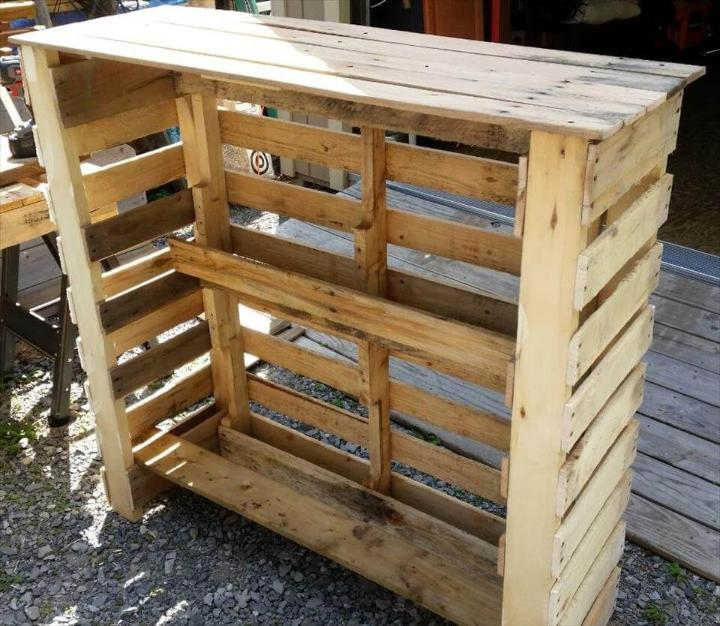 robust wooden pallet bar unit