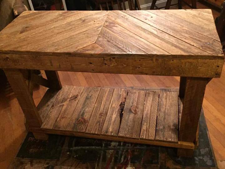 chevron sofa table made of pallets