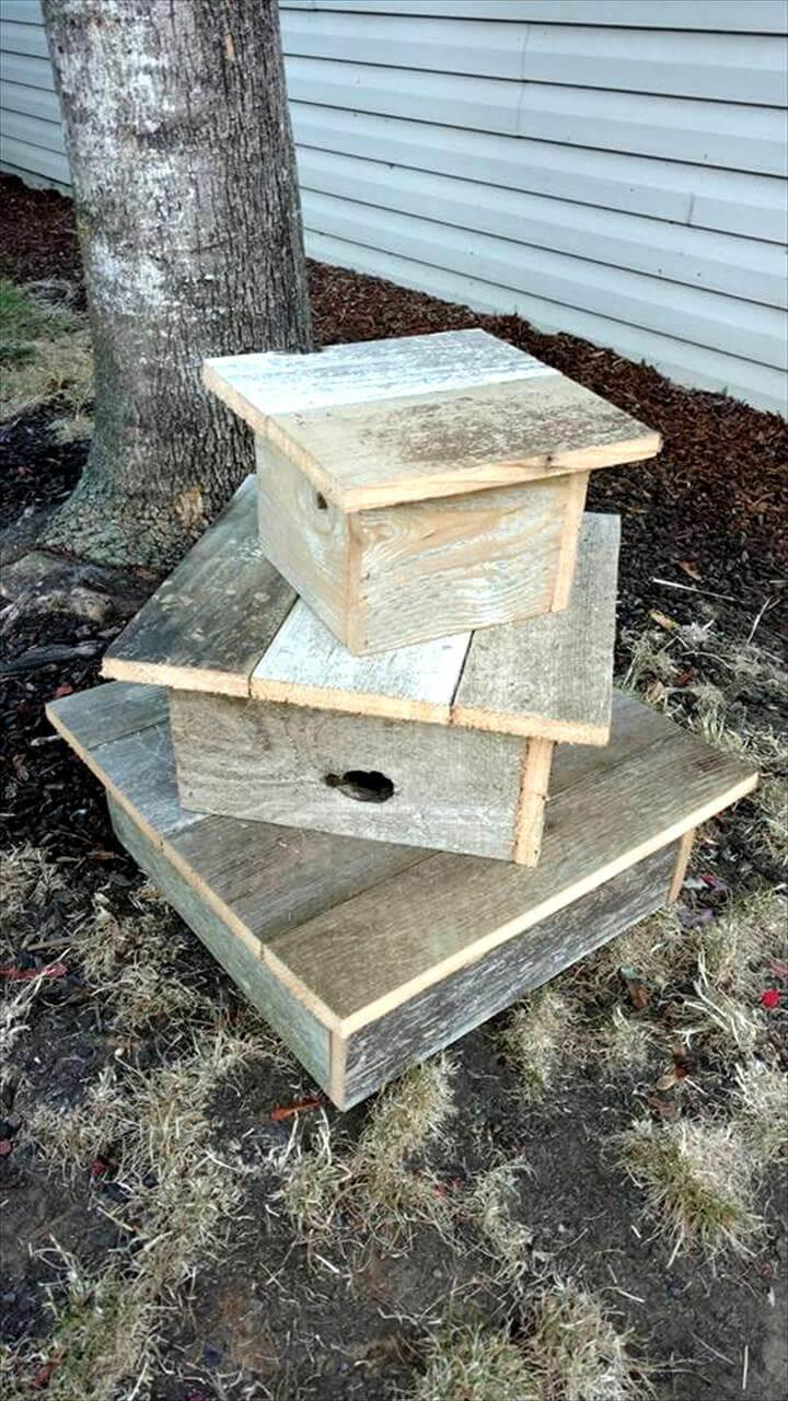 no-cost pallet cup cake stand