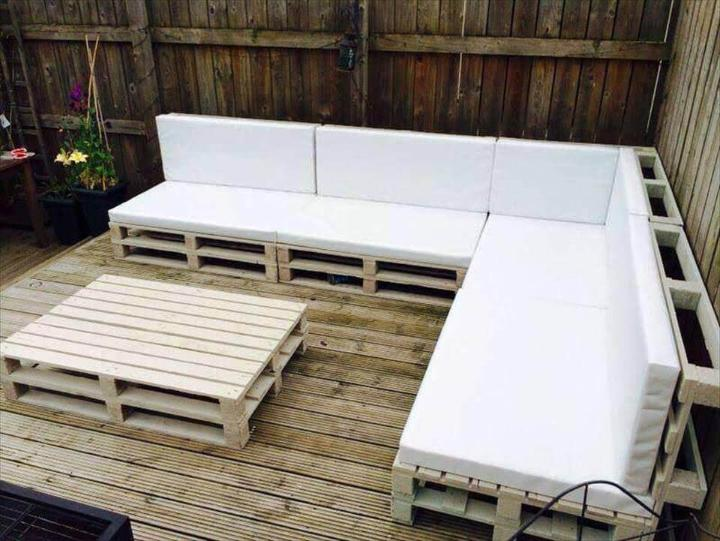 white cushioned pallet party lounge