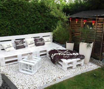 chic white pallet garden sitting set