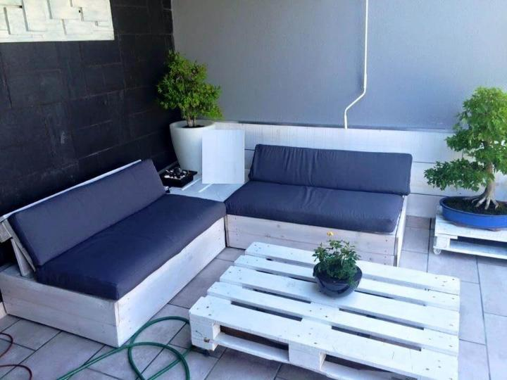 white painted pallet sofa set with black cushions