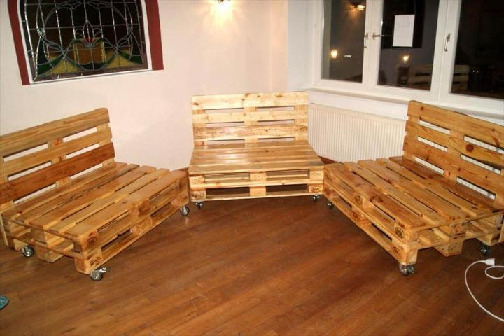 pallet bar sofa set or seats on wheel