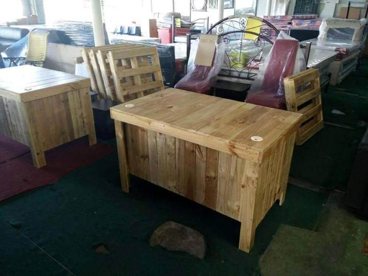 Upcycled pallet counter desk