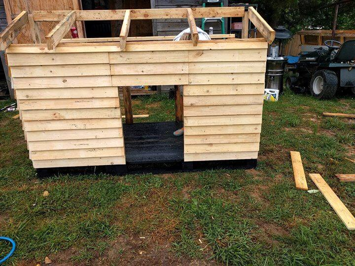 pallet dog house installation