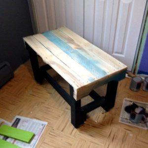 mini wooden pallet table