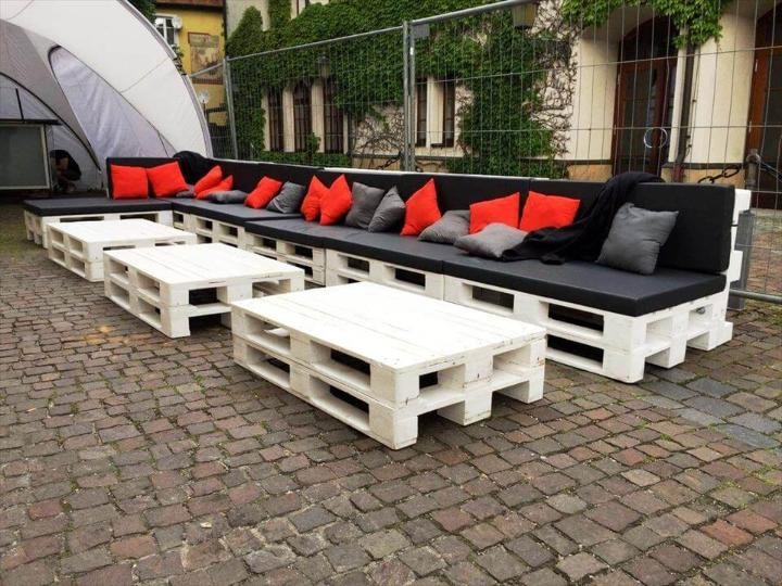 Large Pallet Sofa Set for Outdoor Seating - Easy Pallet Ideas