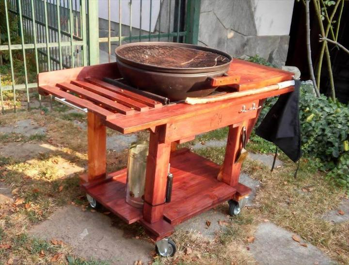 BBQ grill table made out of pallets