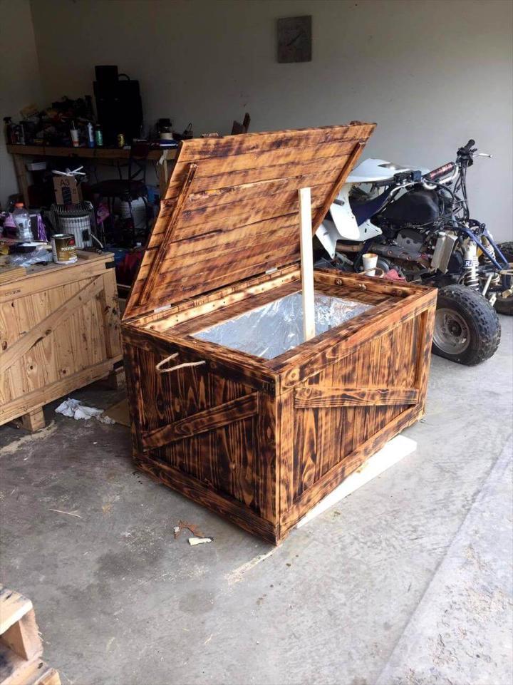 handmade wooden pallet cooler