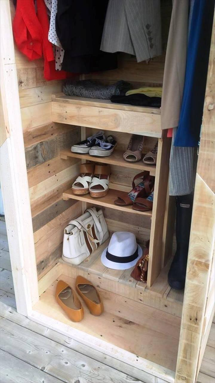 recycled pallet wardrobe and closet
