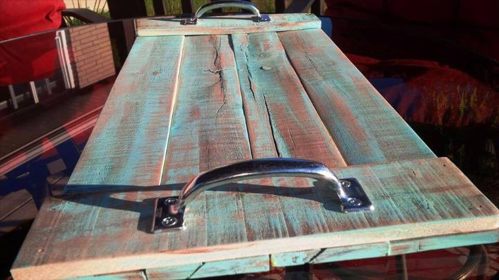 distressed wooden pallet tray