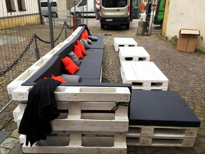 wooden large in size pallet seating set
