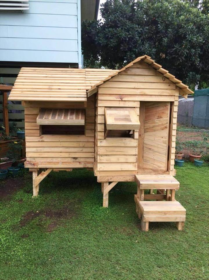 homemade pallet cubby house