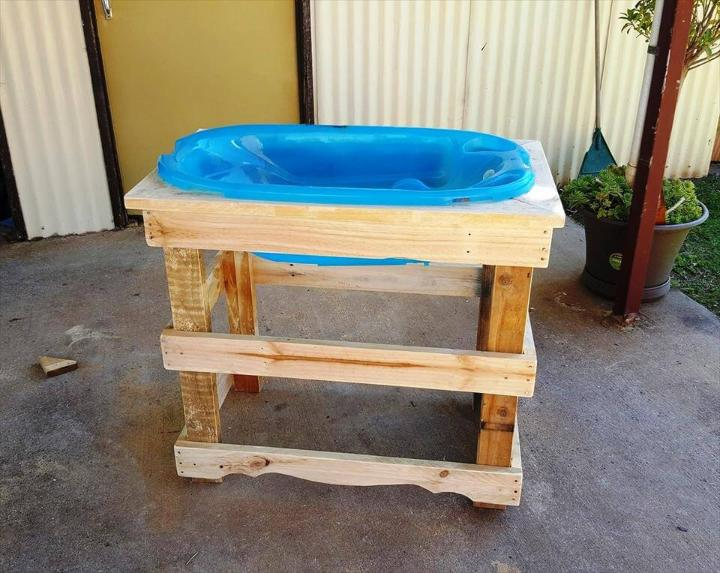 repurposed wooden pallet baby bath stand