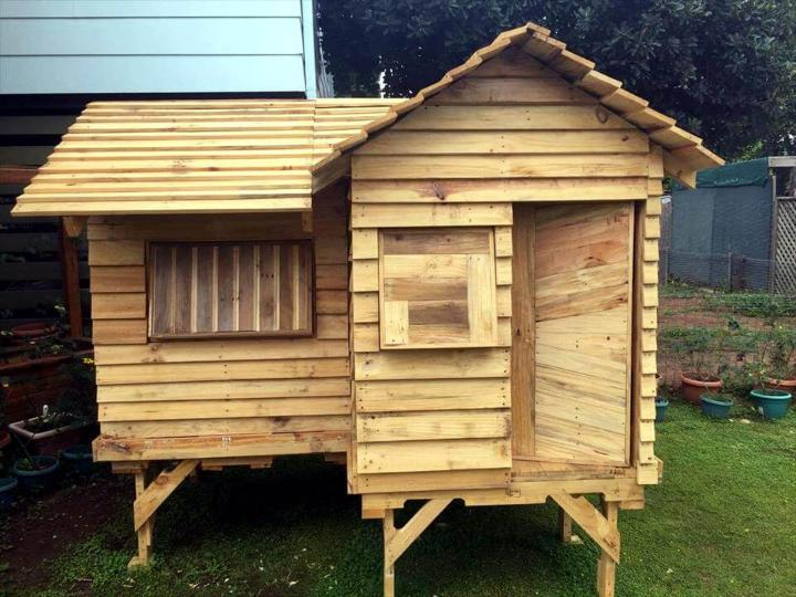 diy-pallet-cubby-house