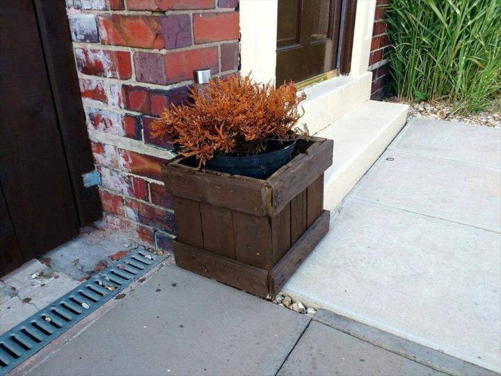repurposed wooden pallet front door planter box