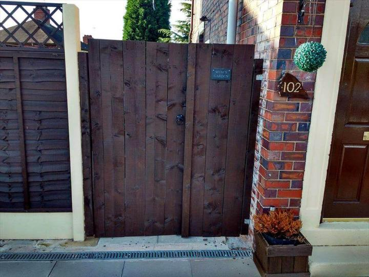 Double Pallet Garden Gate Easy Pallet Ideas