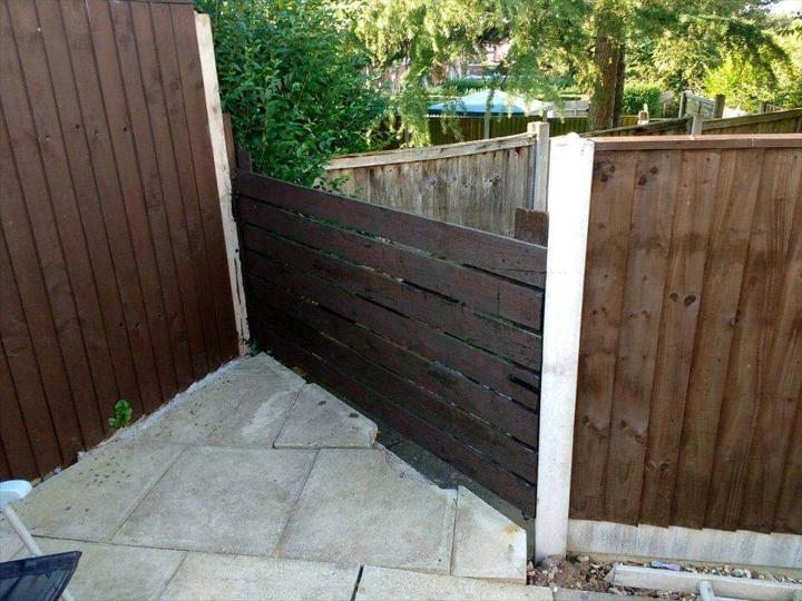 garden gate made of pallets