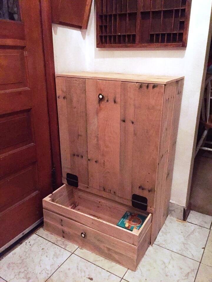 recycled pallet tip out trash can