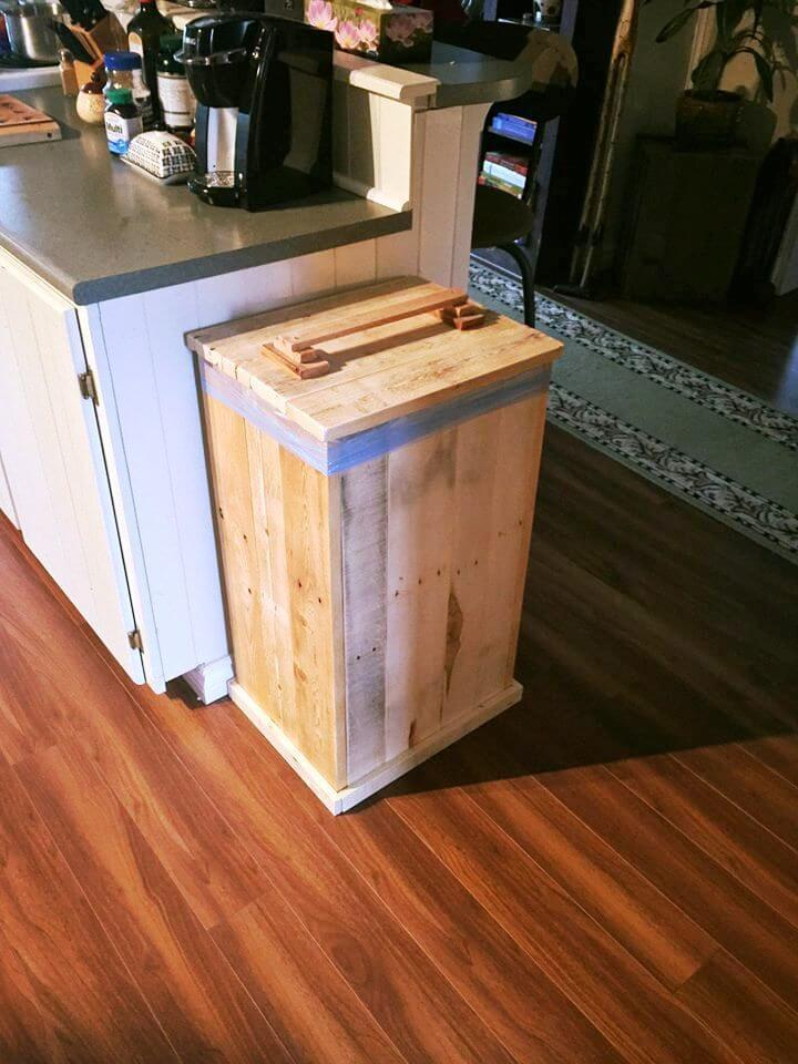 reclaimed wooden pallet garbage bin