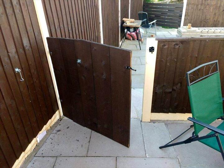 low-cost yet sturdy wooden pallet garden gate