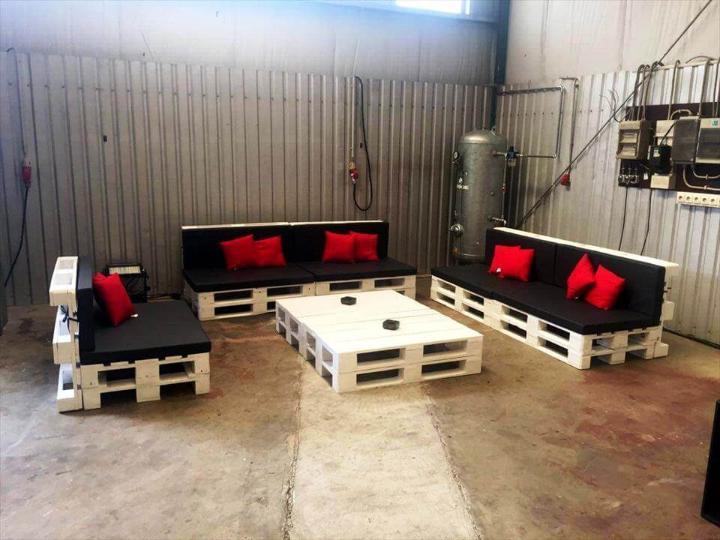 diy large in size pallet seating set