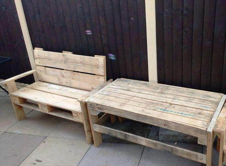 repurposed wooden pallet patio bench