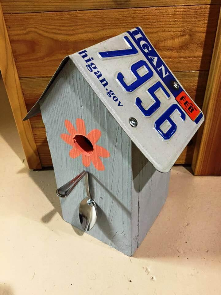 pallet and reclaimed number plate birdhouse