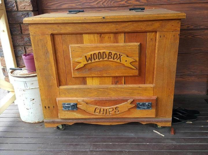 upcycled wooden pallet box with 1 drawer