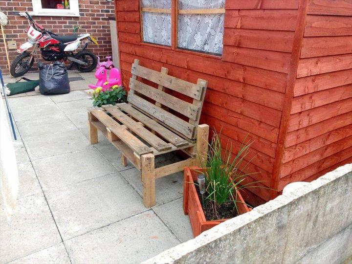 repurposed wooden pallet patio sitting bench