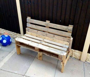 low-cost rustic wooden pallet bench