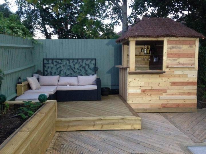 self-installed wooden pallet outdoor bar