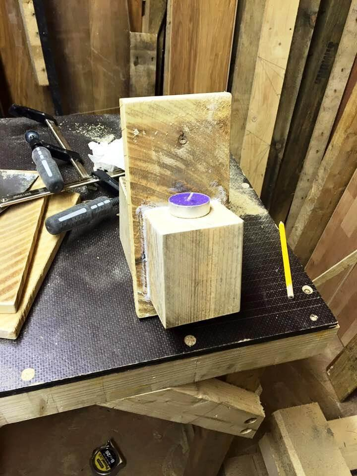 how to build a candle holder out of pallets