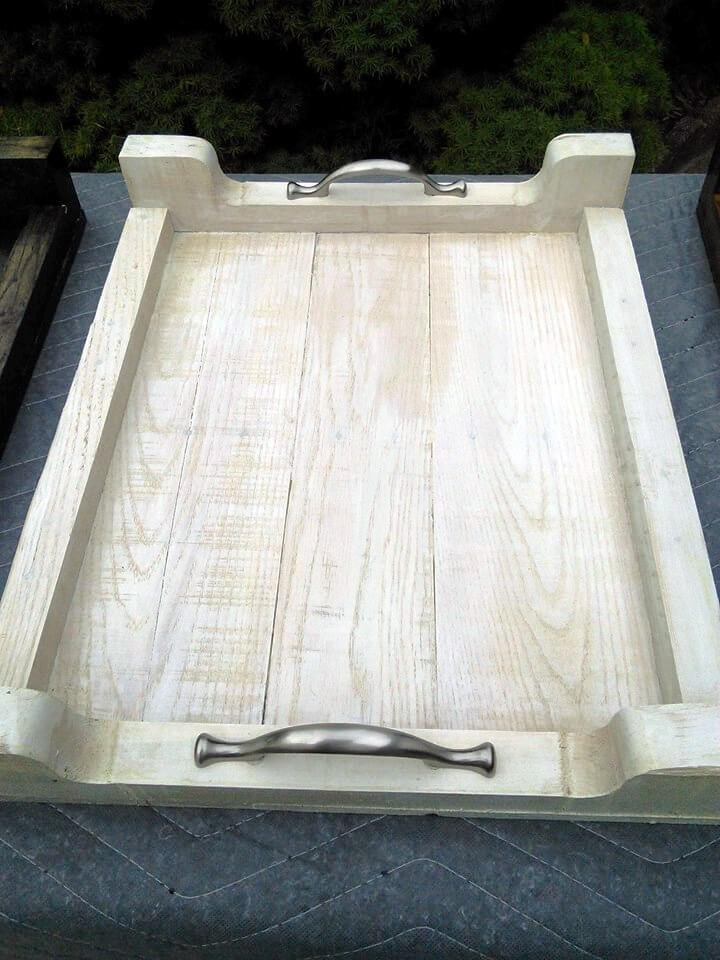 solid wooden pallet serving tray