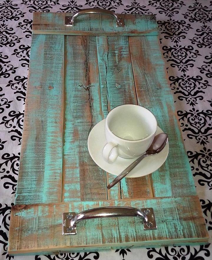 repurposed pallet serving tray