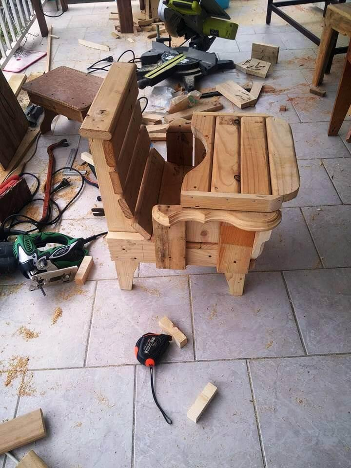diy daughter chair made of pallets