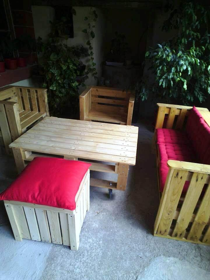 pallet made outdoor sitting furniture set