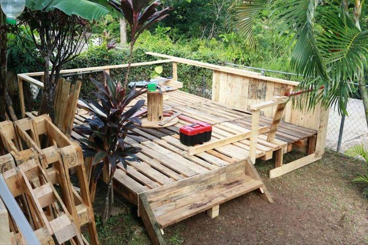 reclaimed pallet terrace