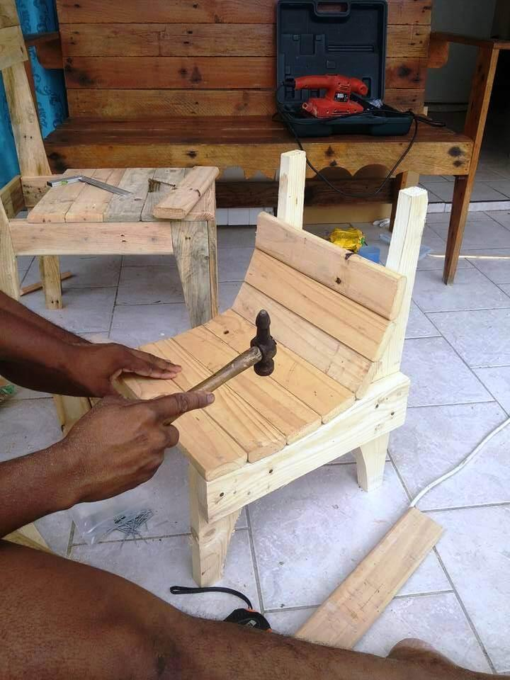 installing the berth of the daughter chair