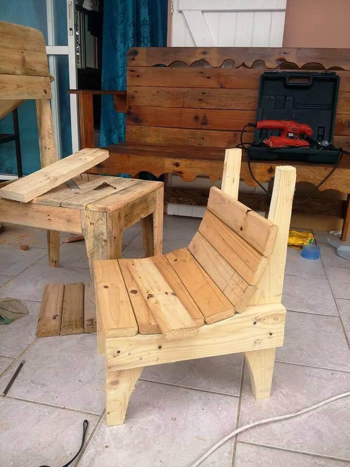 pallet daughter chair base frame